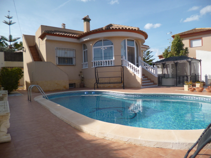 9378-villa-for-sale-in-san-miguel--68648-large
