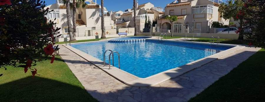 9777-quad_house-for-sale-in-playa-flamenca--75283-large