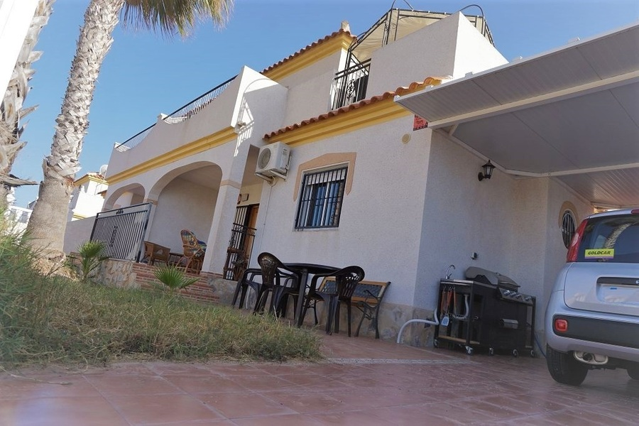 8673-quad_house-for-sale-in-playa-flamenca--60843-large