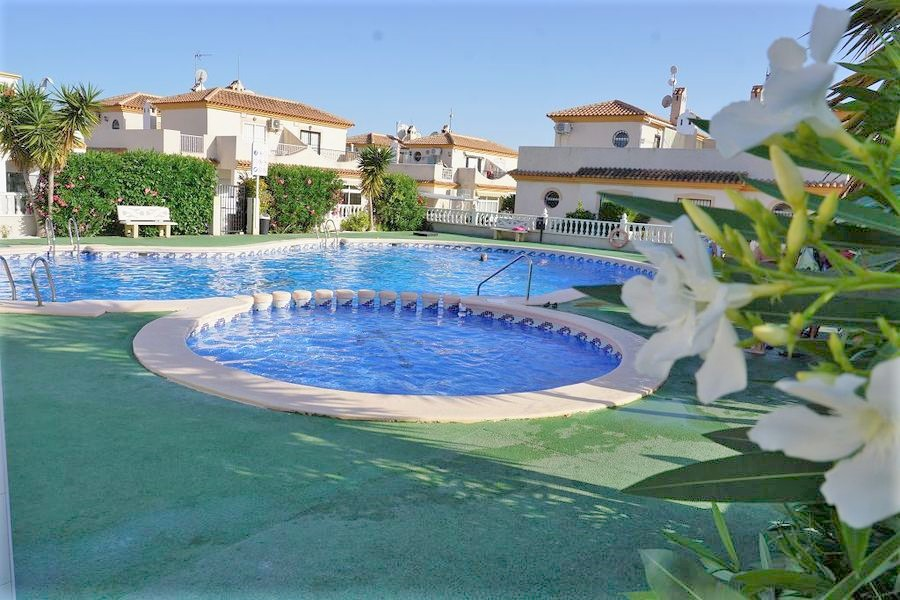 8673-quad_house-for-sale-in-playa-flamenca--60844-large