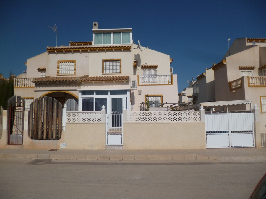 9404-quad_house-for-sale-in-playa-flamenca--69040-large