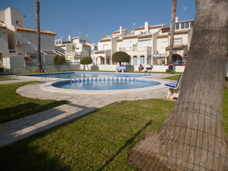 9404-quad_house-for-sale-in-playa-flamenca--69041-large